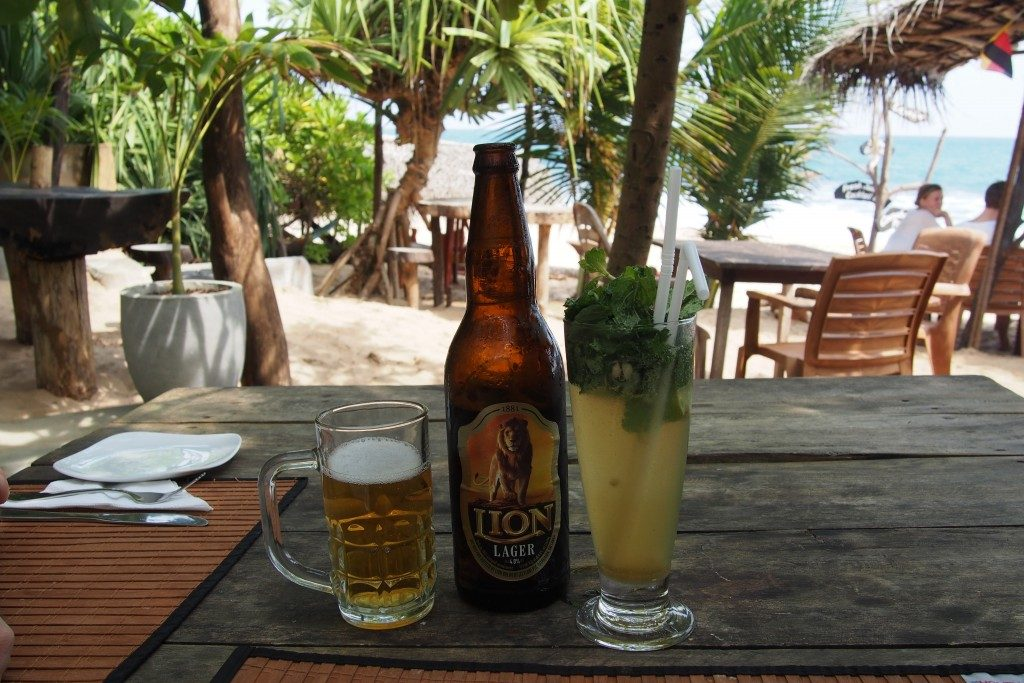 10-jours-Sri-Lanka-biere-Lion-Cocktail
