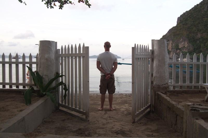Vue sur la plage depuis notre hôtel à El Nido