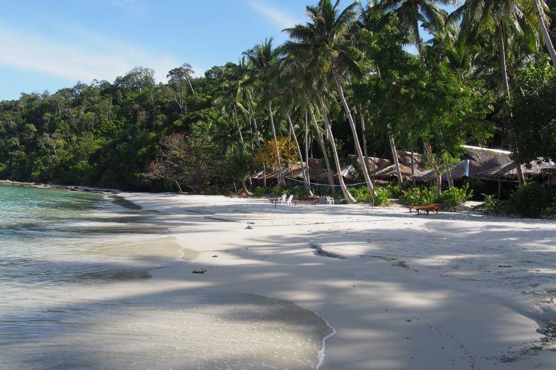 La plage du camping à Port Barton