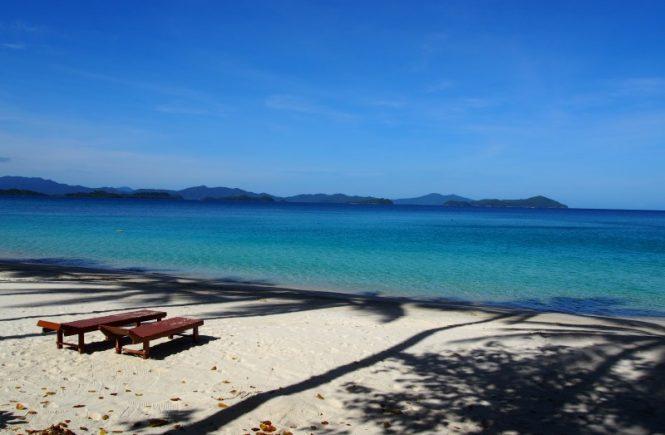 Belle plage bleu turquoise