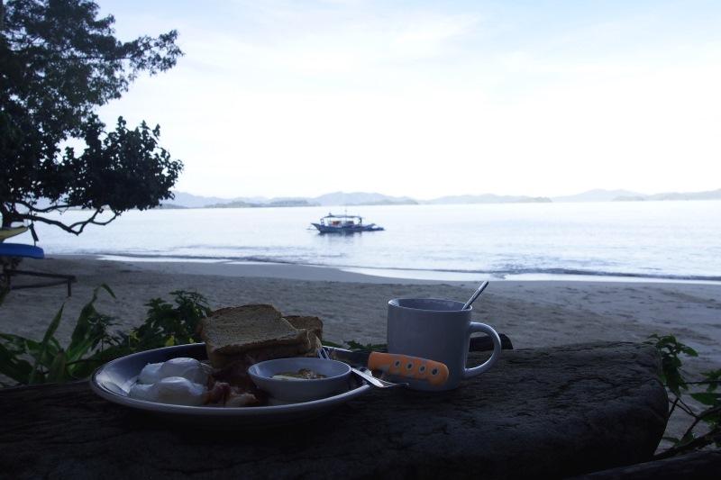 Petit déjeuner avec vue sur la mer