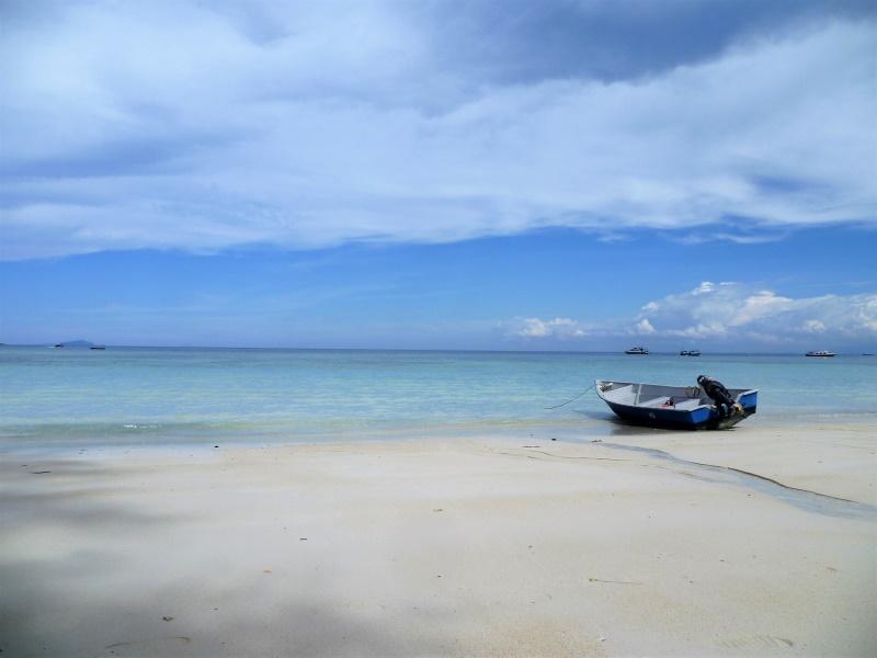 Plage paradisiaque aux îles Perhentian (plage de Flora Bay)