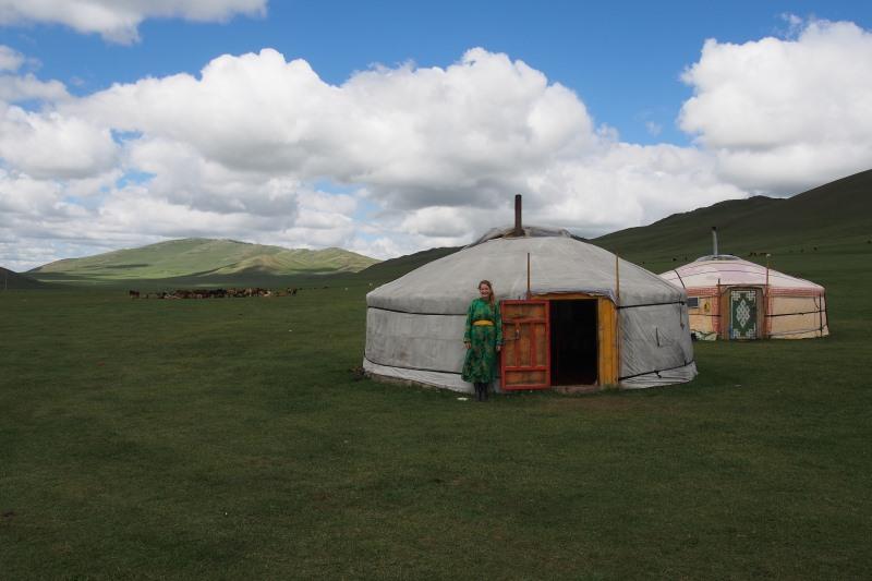 Tu sais que tu es en Mongolie quand : tu mets la tenue traditionnelle