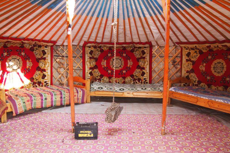 Tu sais que tu es en Mongolie quand : les lits sont durs comme du bois
