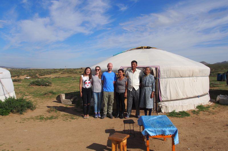 Tu sais que tu es en Mongolie quand : tu rencontres des familles