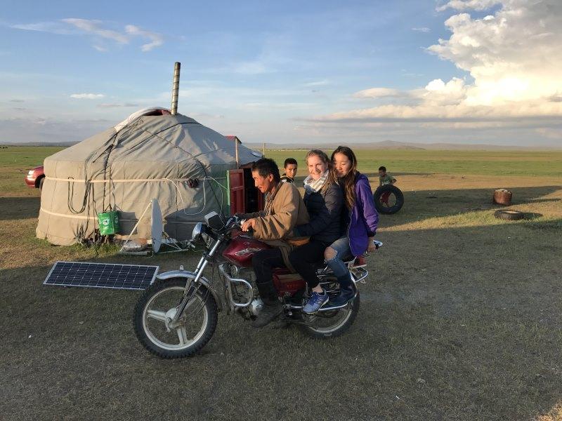 Voyage en Mongolie : moto dans les steppes