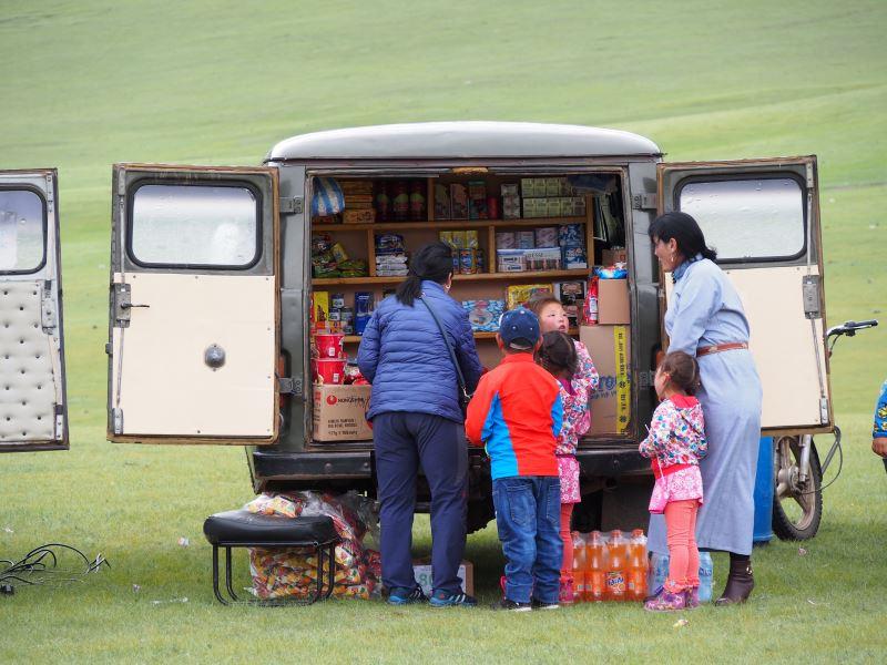 Carnet de voyage en Mongolie : épicerie ambulante