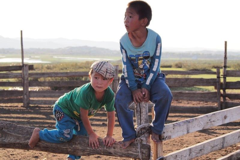 Carnet de voyage en Mongolie : enfant mongols