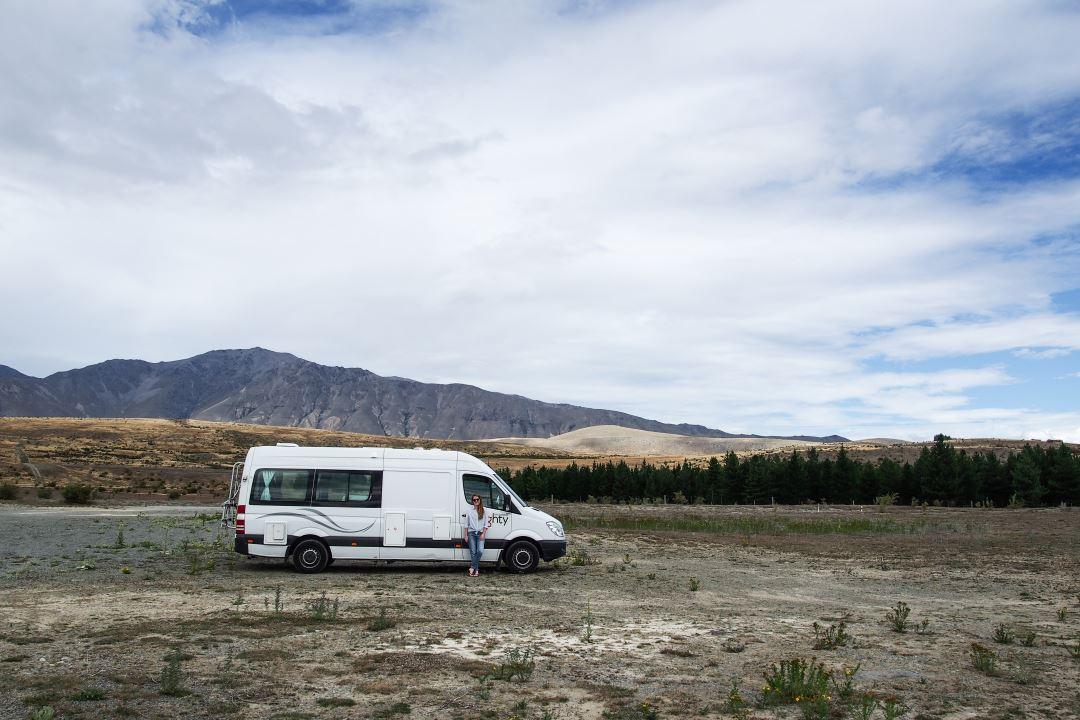 Bien préparer son voyage en Nouvelle-Zélande : taper la pause devant son camping-car !