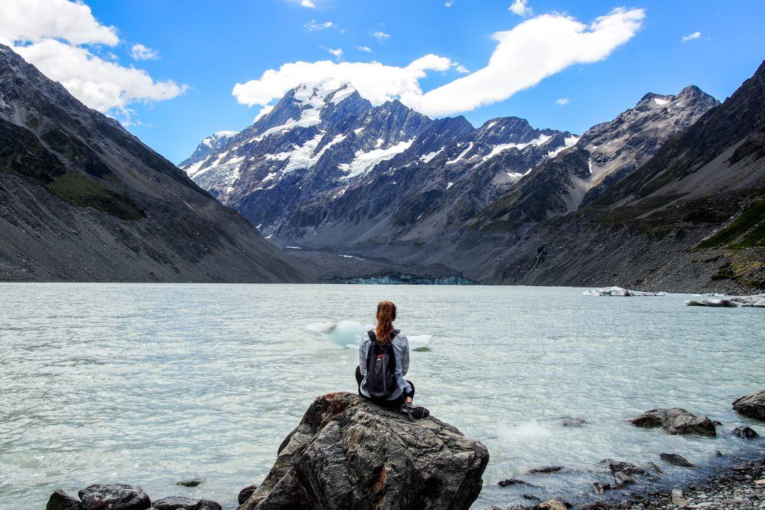 2 semaines en Nouvelle-Zélande : poser devant le lac, les icebergs et le Mont Cook