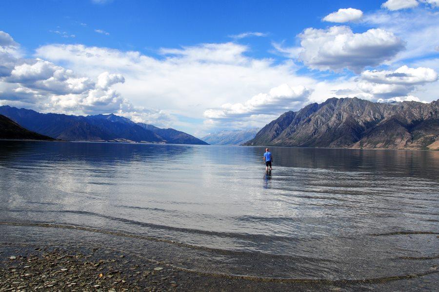 Meilleurs campings gratuits de Nouvelle-Zélande : « stoney beach », sur le bord du lac Hawea