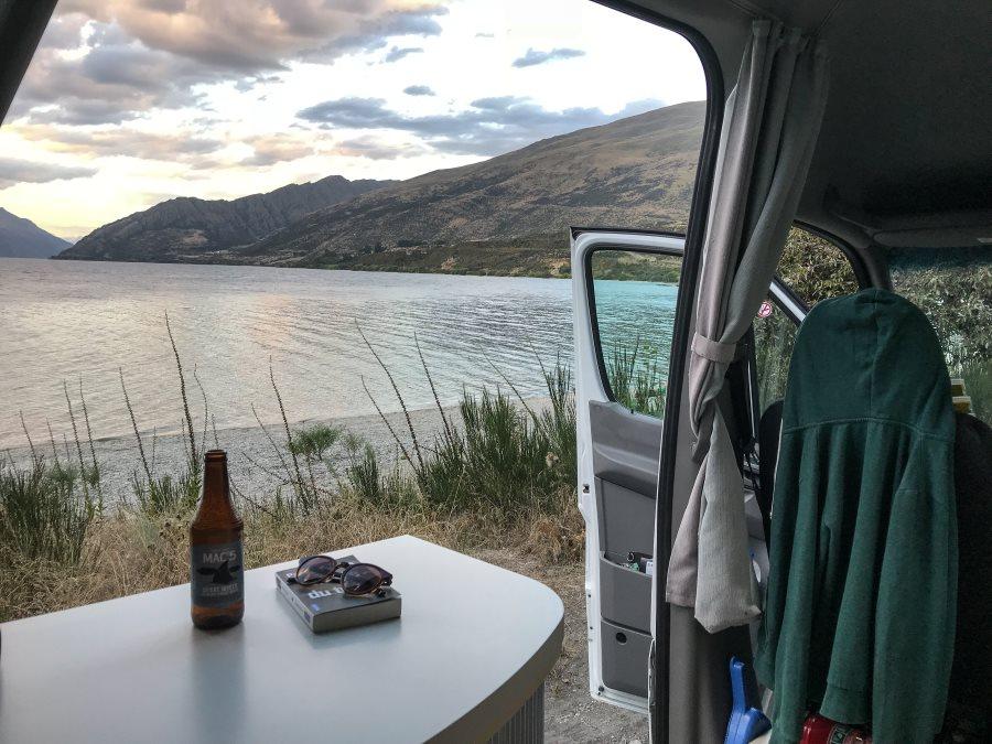 """Meilleurs campings gratuits de Nouvelle-Zélande : """"Drift Bay"""", situé sur les bords du lac Wakatipu"""