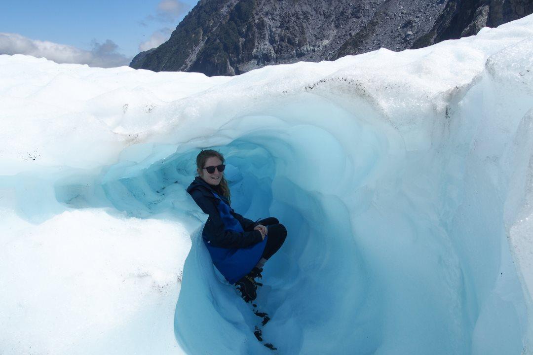 Cachée dans une crevasse sur le glacier Fox