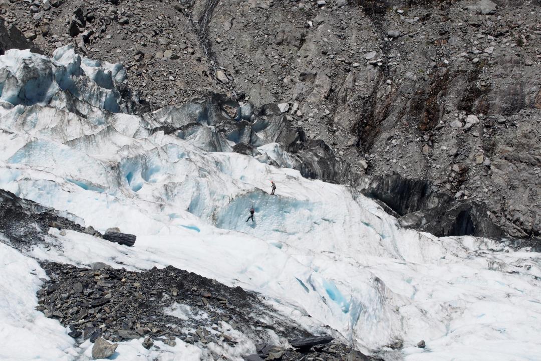 Faire de l'escalade sur le glacier Fox